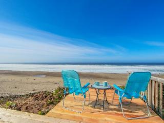 Bright and cozy oceanfront home w/ easy beach access and amazing views - Gleneden Beach vacation rentals