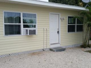 Near Beach Newly Remodeled Cottage - Englewood vacation rentals