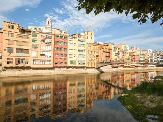 Bright, Riverside Apartment 6 in great location - Girona vacation rentals