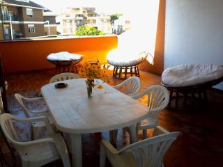 La Viuzza - Appartamento Lori - Ciampino vacation rentals