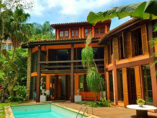 Design wooden villa and Tropical Garden - Rio de Janeiro vacation rentals