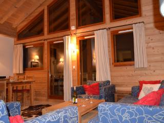 Stunning top floor lift-served mountain penthouse - Morillon vacation rentals