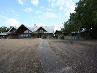 5h Ranch - Country Property with Pool & Game Room - Comfort vacation rentals