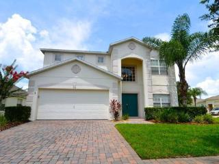 Superb 4 bedroom pool home with fun games room - Davenport vacation rentals