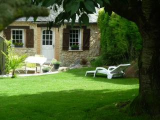 Cozy 2 bedroom Gite in Fecamp - Fecamp vacation rentals