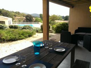 Beau T2 proche SAINTE MAXIME Golfe SAINT TROPEZ - Saint-Maxime vacation rentals