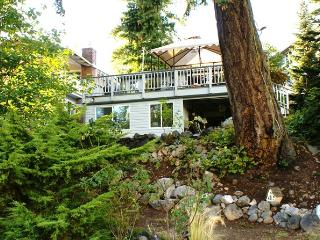 Linda's By The Lake on beautiful Lake Wilderness - Maple Valley vacation rentals