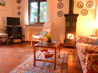 2 bedroom Apartment with Garage in Cogne - Cogne vacation rentals