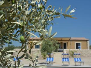 Bright 4 bedroom Villa in Noto - Noto vacation rentals