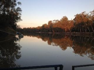 Nice House with Long Term Rentals Allowed (over 1 Month) and Television - Mildura vacation rentals