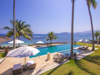 Complex of 3 oceanfront villas,beach, tennis - Candidasa vacation rentals
