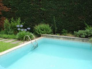 Beautiful, modern 3 bdrm apt in historic house - Pezenas vacation rentals
