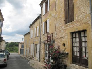 Gite Le Coeur restored medieval village townhouse - Monpazier vacation rentals