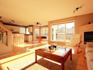 Executive 3Brm House South Edmonton-Cozy and clean - Edmonton vacation rentals