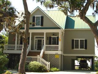 "904 Jungle Shores Dr - ""Murmur's Magnoliia"" - Edisto Beach vacation rentals"