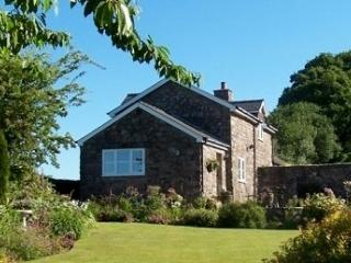 Clare's Cottage home from home in the country - Chepstow vacation rentals