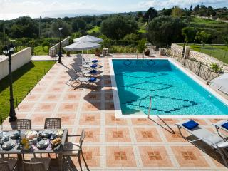 SPACIOUS VILLA OVERLOOKING THE BLUE IONIAN - Sarlata vacation rentals