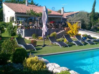 4 stars Holidays Cottage or 3 Bedrooms : Provence - Lambesc vacation rentals