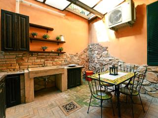 Vatican large family apartment - Rome vacation rentals