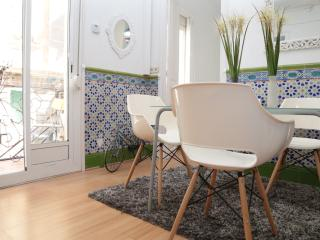 Two bedrooms apartment next to the beach! - Barcelona vacation rentals