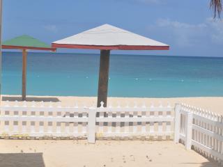 Turner's Beach Cottages - beachfront rentals - Johnson's Point vacation rentals