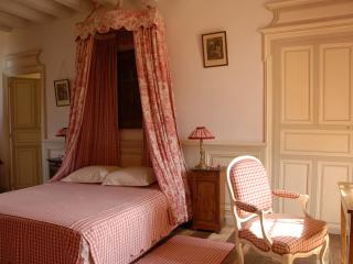 Chambre Caroline Château de Chambiers - Durtal vacation rentals