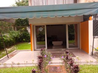 Bright 2 bedroom Condo in Abidjan with Internet Access - Abidjan vacation rentals