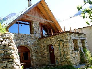 Chambres d'hôtes de charme au pied du Mercantour - Entraunes vacation rentals