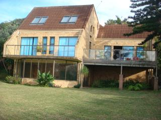 Beautiful 5 bedroom Trafalgar House with Television - Trafalgar vacation rentals