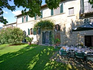 Villa within walking distance with great views - Cortona vacation rentals