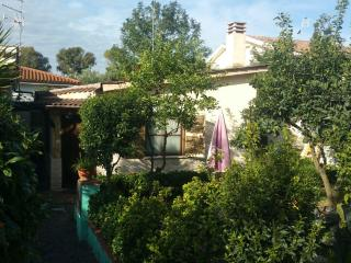 2 bedroom Bed and Breakfast with Television in Ostia Antica - Ostia Antica vacation rentals