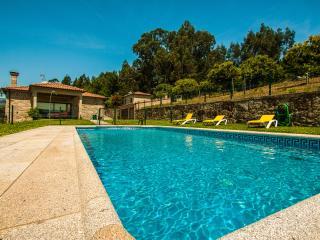 Casa Grande -  Quinta da Toural - Piscina - Campo - Arcos de Valdevez vacation rentals