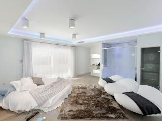 ESPitality High Tech Puerto Banus + Italian chef - Marbella vacation rentals