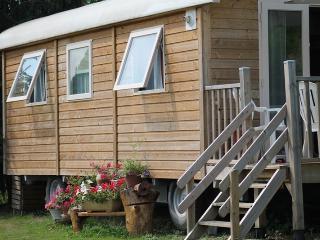 Cozy 2 bedroom Caravan/mobile home in Genissac - Genissac vacation rentals