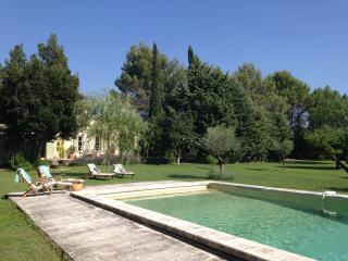 Charming Country House in Provence with Pool - Cucuron vacation rentals