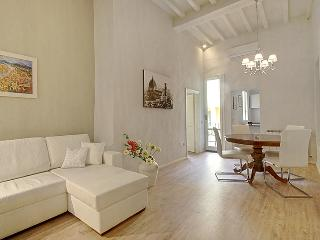 LAURA ELEGANT - Florence vacation rentals