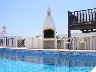 Casa Solmar, pool, views over sea and marina. - Albufeira vacation rentals