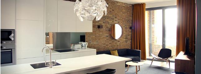 London Bridge 1 Bedroom  (4776) - Image 1 - London - rentals