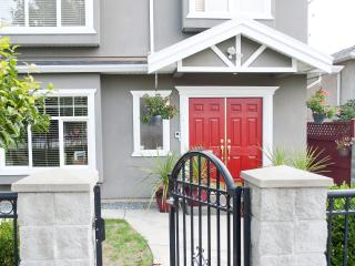 Quiet, Modern 2BR in Sunset Area - Vancouver vacation rentals