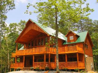 5 bedroom Cabin with Fireplace in Pigeon Forge - Pigeon Forge vacation rentals