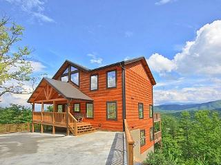 Spacious 4 bedroom Cabin in Pigeon Forge with Stereo - Pigeon Forge vacation rentals