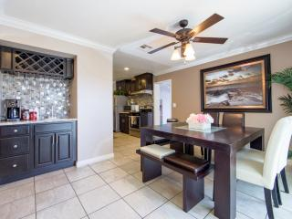 Luxury Modern Townhouse 1/2 Mile To Disneyland - Garden Grove vacation rentals