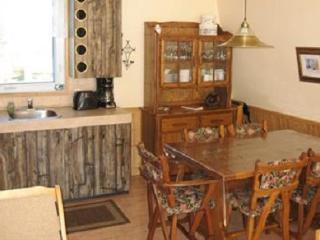 Chalet flakes - Saint-Irenee vacation rentals