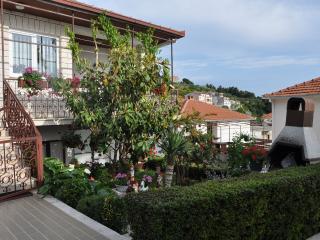 Bright 2 bedroom Condo in Sumpetar - Sumpetar vacation rentals