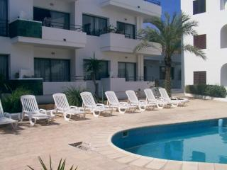 EsPujols 2 habitaciones con piscina - Es Pujols vacation rentals