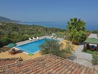 Bright 6 bedroom Villa in Caronia - Caronia vacation rentals