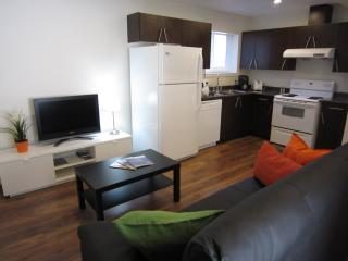 RENOVATED half duplex walk to shops & restaurants - Squamish vacation rentals