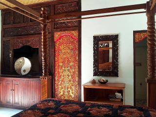 Swallow Guesthouse LG SUNRISE SUITE Budget Travel - Ubud vacation rentals