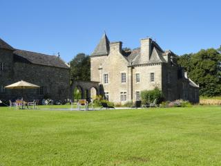 Historical Chateau renovated for modern day luxury - Augan vacation rentals