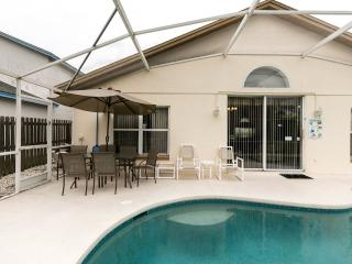 4 Bedroomed Luxury Villa 4 miles from Disney - Kissimmee vacation rentals
